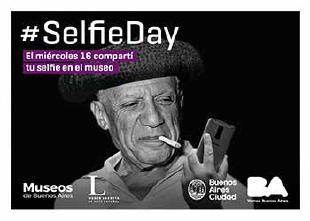 Día de selfies en los museos del mundo